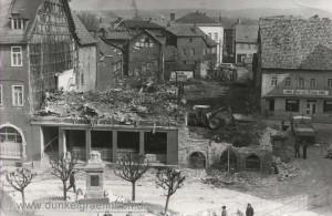 Abriss Häuserfront am Markt