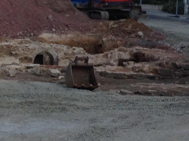 Bei der Sanierung des Häfenmarktes wurde ein Keller aus dem 15. Jh. freigelegt!